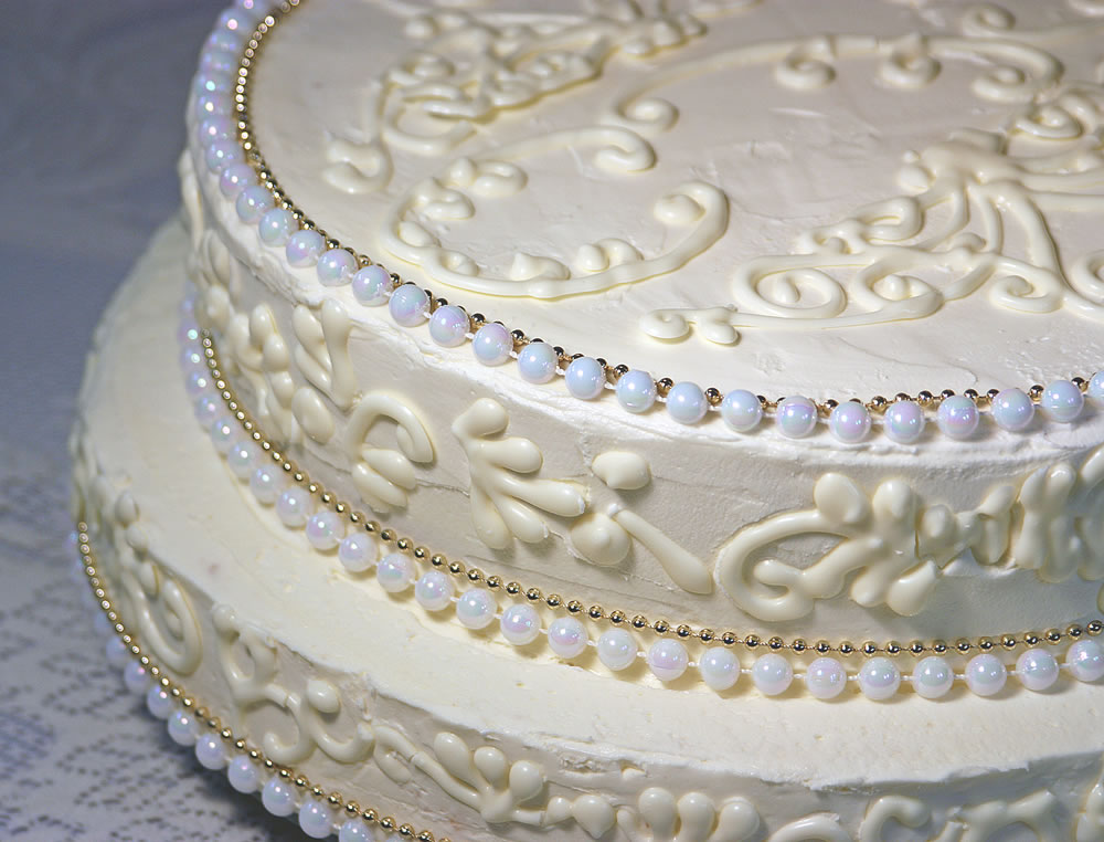 White Chocolate Wedding Cake for Small Wedding
